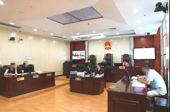 区司法局组织人民调解员参加庭审观摩活动