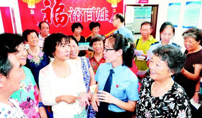 """东丽区检察院开展""""与法同行·福裕百姓""""宣传活动"""