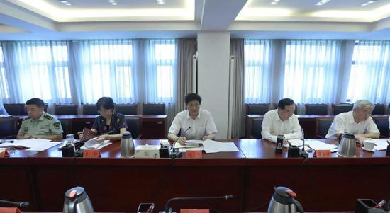 传达贯彻中央政法委政法领域全面深化改革推进会精神