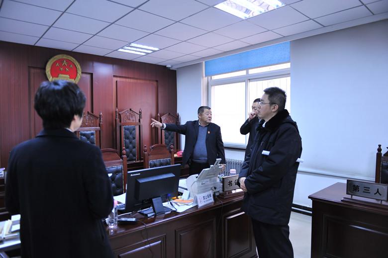 武清法院对下设十三个法庭进行安全检查