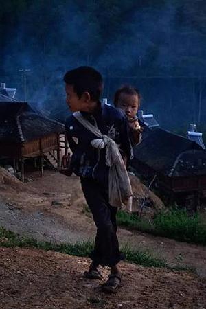 """西双版纳神秘""""黑户""""村庄"""