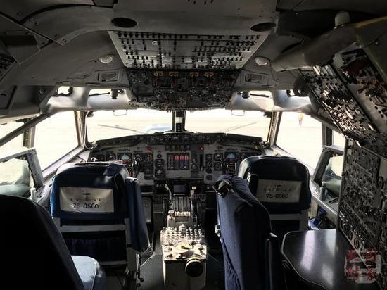 美军E3预警机参加韩国航展 扬言探测中俄飞机没问题