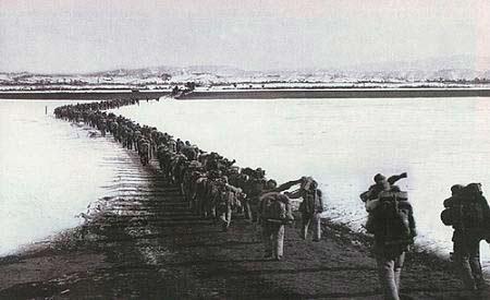 志愿军入朝作战跨过鸭绿江