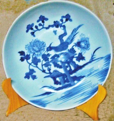 青花瓷盘上的牡丹