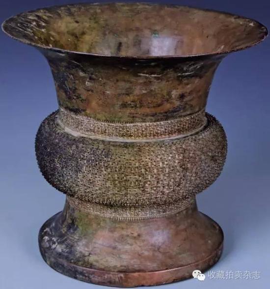 棘刺蟠虺纹青铜尊,南京博物院藏,春秋时期,高24.6cm,口径26.5cm。、