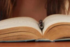 必读:英语一般现在时态被动和主动时态