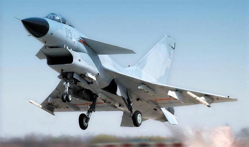 美抵近中国军机还是老P3系列 但我军战机已今非昔比