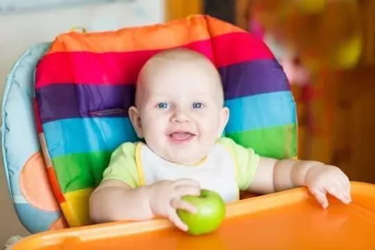 0-3岁宝宝喂养的十大误区,宝妈们注意到了吗?