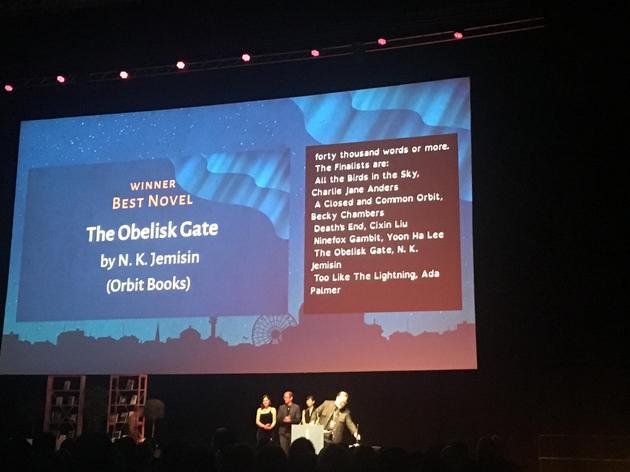 第75届雨果奖在赫尔辛基正式揭晓,图中是颁奖现场