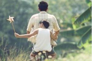 世界三分之二的父亲无法享有带薪陪产假