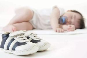 给3岁以下宝宝选鞋,这几个细节一定不能忽视