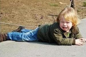 宝宝摔落有危险吗?(处理及观察方法)