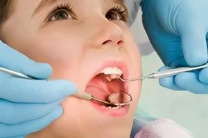 咬上下唇的習慣容易帶來哪些危害?