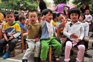 孩子刚进幼儿园,不能融入集体怎么办?