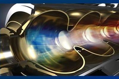 弯曲空间内首次实现激光束加速 可研究引力透镜