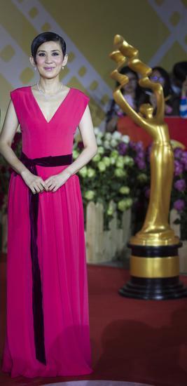 【新珠宝】北京国际电影节 吴君如红裙优雅钻饰闪耀