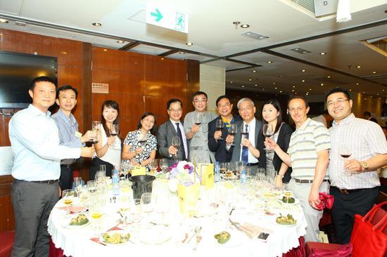 祝福中国葡萄酒