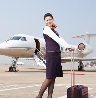 中国私人飞机空姐 空中的全能管家
