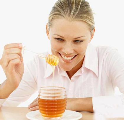 懒人蜂蜜水减肥法 三天瘦十斤