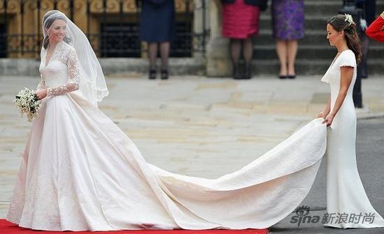 凯特王妃身穿Alexander McQueen定制婚纱