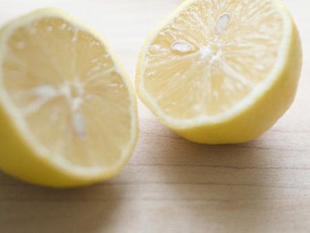 你会不会用柠檬汁护肤?