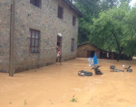台风麦德姆袭赣 多地暴雨被淹