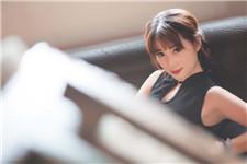 湘潭26岁女孩长相似林志玲 性感旗袍拍写真