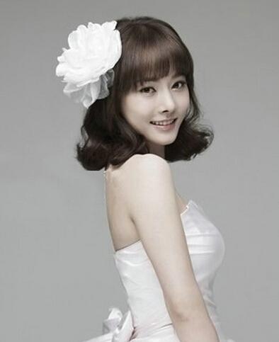 最新韩式短发新娘发型推荐-简约有气质的韩式新娘短发图片