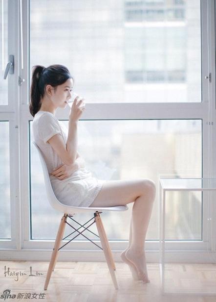 奶茶妹妹清新写真 秀美腿少女气息浓