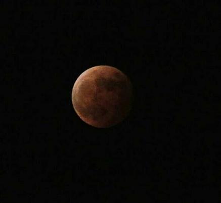 长沙网友拍红月亮 系今年中国唯一月食