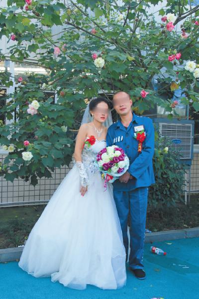 """昨日,王智和青青的""""特殊婚礼""""。"""
