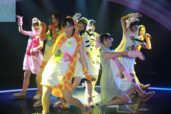 snh48三期生正式登台出道