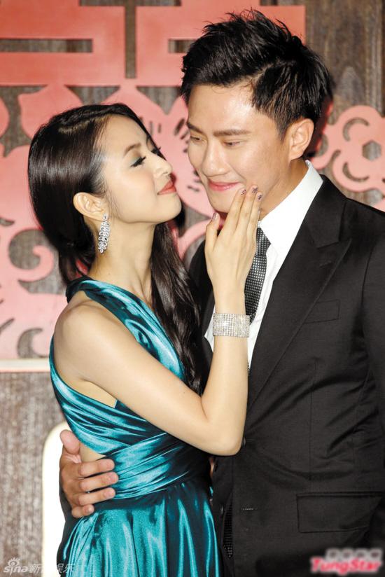 林依晨32岁生日,两人预定12月24日结婚.而林依晨的荧屏男友