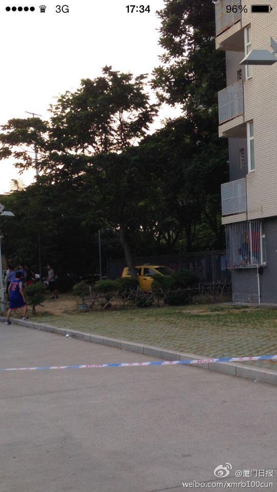 厦门某学院发生汽车撞人致1死5伤