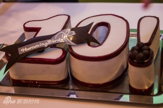 邓紫棋亲自设计的蛋糕