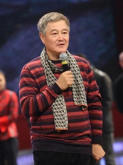 赵本山四次被移民 称全家户口本