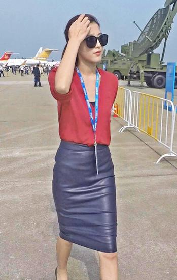 美女主播田甜赴珠海航展