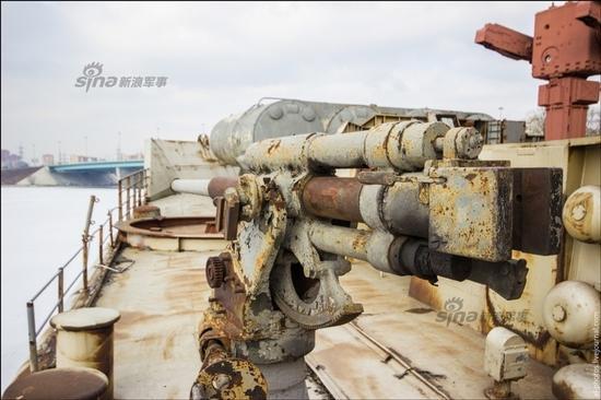 网友实拍遭俄罗斯废弃的护卫舰