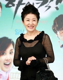 韩国女演员金慈玉因罹患肺癌今日上午离世