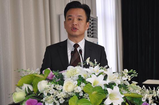 咸宁市咸嘉临港新城管委会副主任周亚澜被移送司法 高清图片