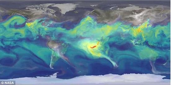 在北半球春季和夏季时,南半球会出现二氧化碳(图中用灰色表示)释放;夏季期间,大量的有害气体会通过非洲和澳洲的大火排到大气层中。这些二氧化碳排放通过风的作用扩散到全球。由于秋、冬季植物的死亡,二氧化碳浓度开始再次升高。