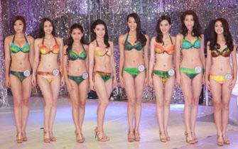 2014亚洲小姐泳装出席拜神仪式