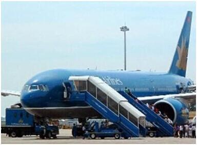 两名女乘客在越南航空飞机上发生冲突