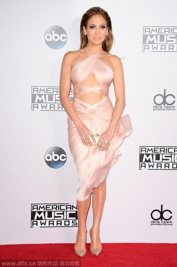 【新珠宝】有钱就是这样任性 2014全美音乐奖女星晒珠宝