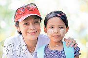 张艾嘉缅甸助养女童 前助养对象大学毕业