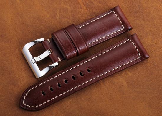 【新时尚】寒潮来袭 是时候给不锈钢腕表换个表带了