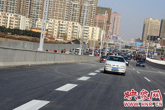 郑州京广路南三环立交通车 东西北三方向互通