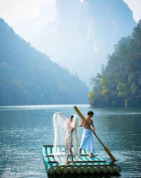 新婚夫妻全裸拍婚纱照