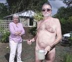 英国神秘裸体村