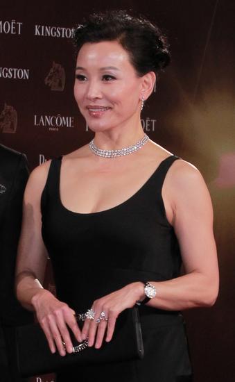 【新珠宝】第51届金马奖评审团主席陈冲佩戴梵克雅宝珠宝